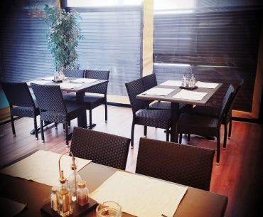 restaurant interior aranjare masa